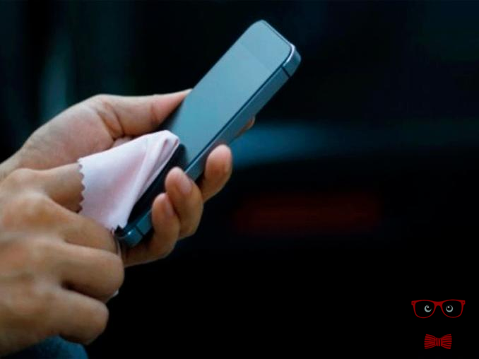 How To Clean Your Cell Phone From Germs And Prevent Future Diseases 1