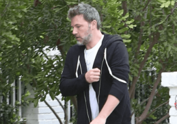 Ben Affleck Was Captured By Photographers Temporarily Leaving The Rehabilitation Center On His Way Home To Perform His Exercise Routine.