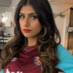 Mia Khalifa Shows Everything In Hot Miniskirt To Say Goodbye To Her Singleness