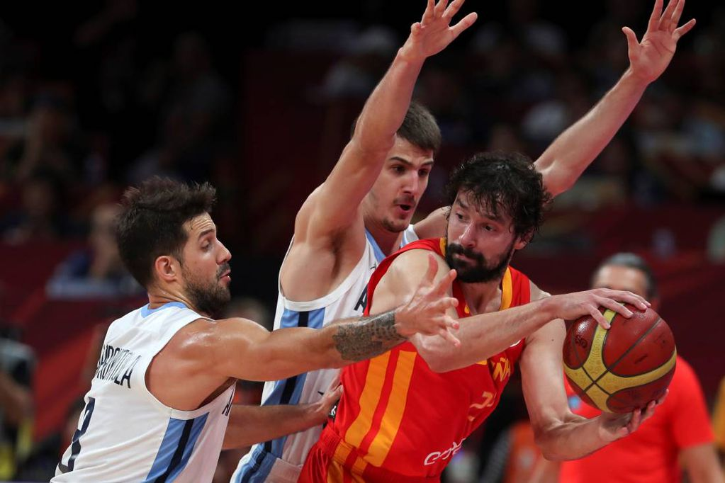 Sergio Llull From Spain Beat The Duel With Argentina