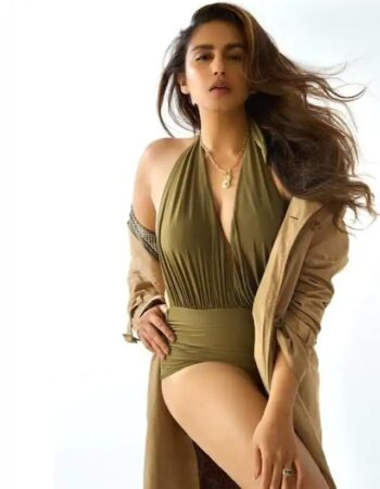 See Bollywood Actress Huma Qureshi Glamrous Photos Swag Will Win Your Heart 1625735568