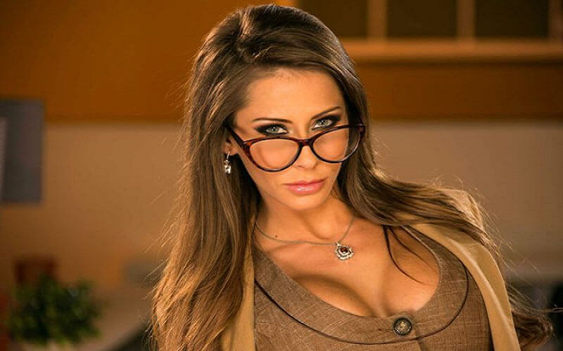 10 Porn Actresses You Would Introduce To Your Family
