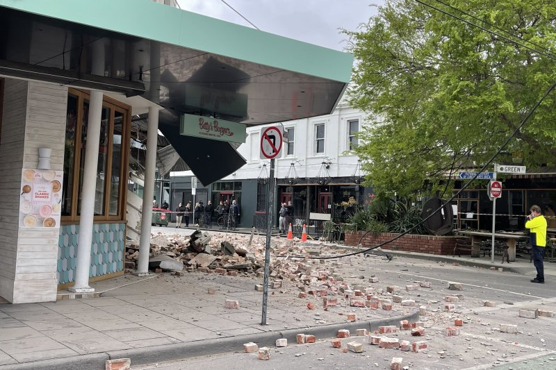 Bettys Burgers In Chapel Street Partly Collapsed In The Earthquake.
