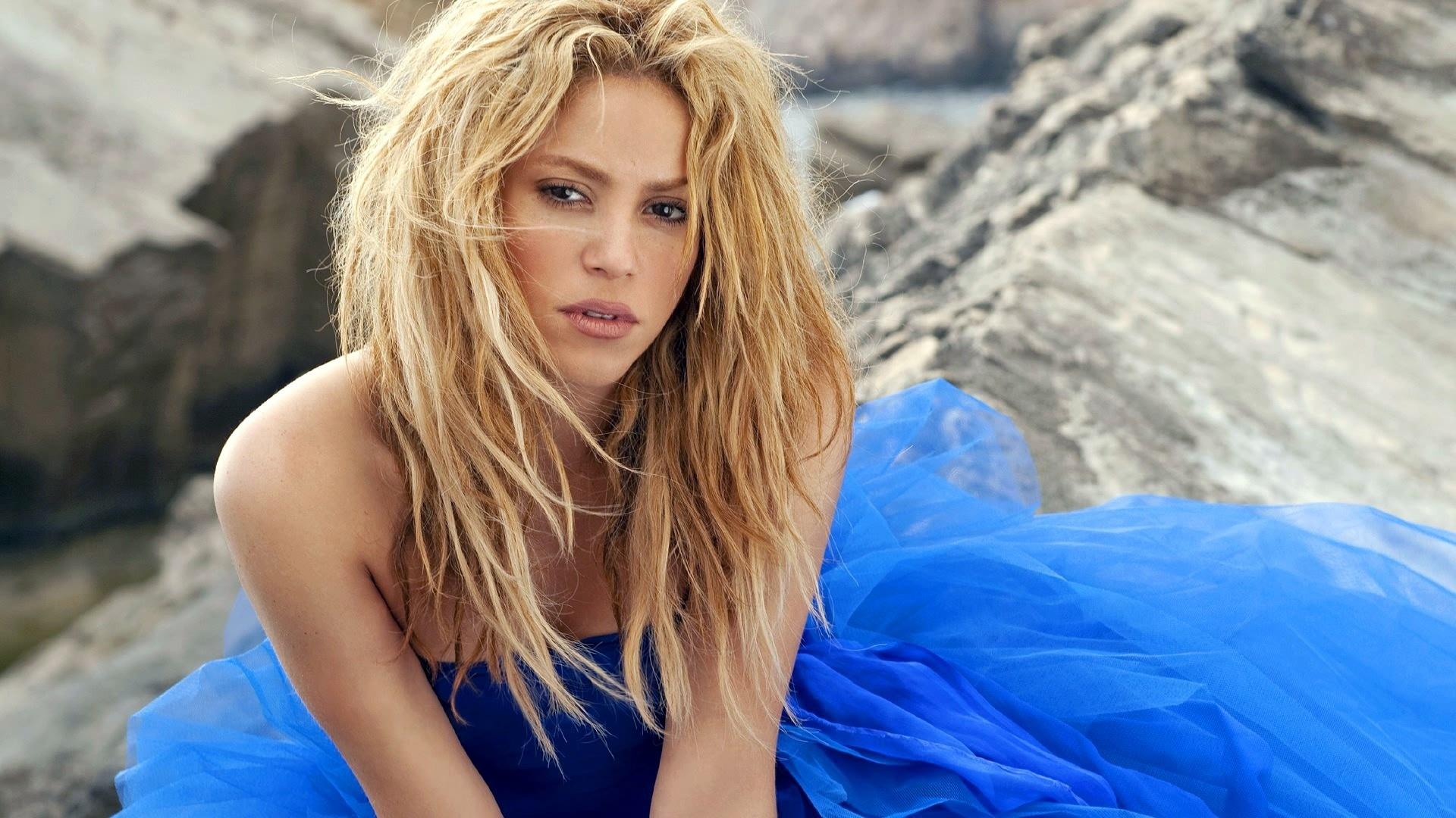 Shakira 33