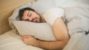 The Secret To Falling Asleep In Less Than A Minute Comes To Light