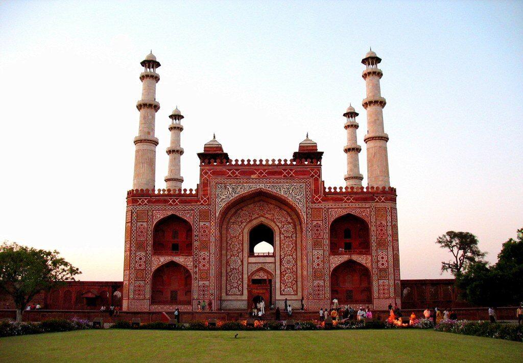 Akbars Tomb 1 E1631866470535