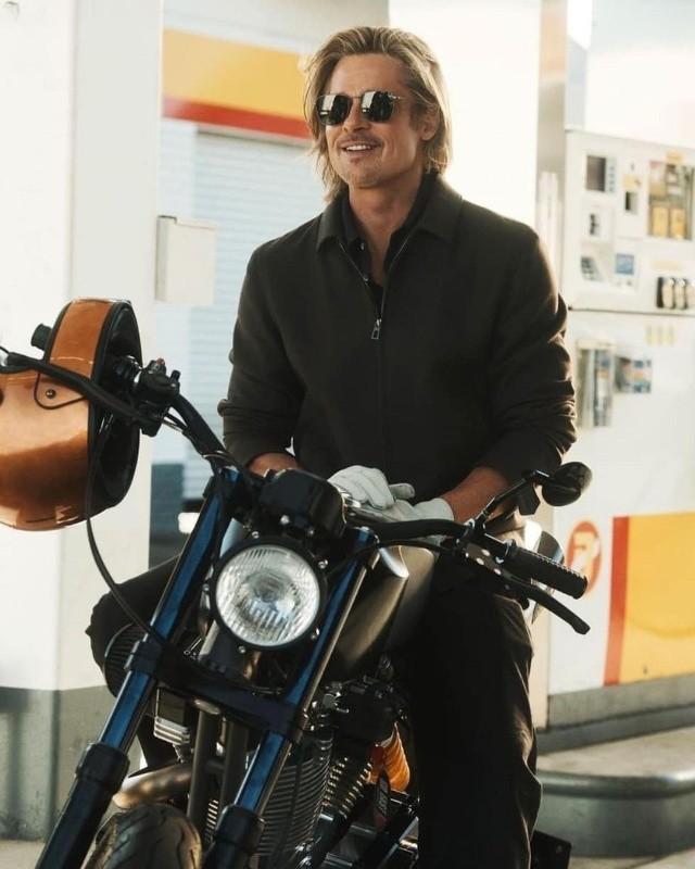 Brad Pitt Moto