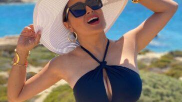 Salma Hayek Bikini 7
