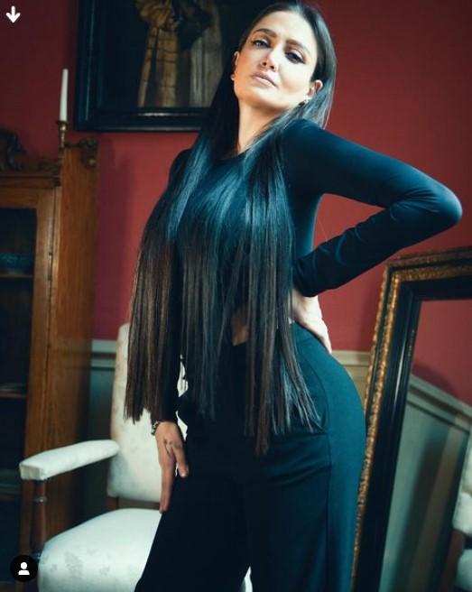 Celia Lora 3