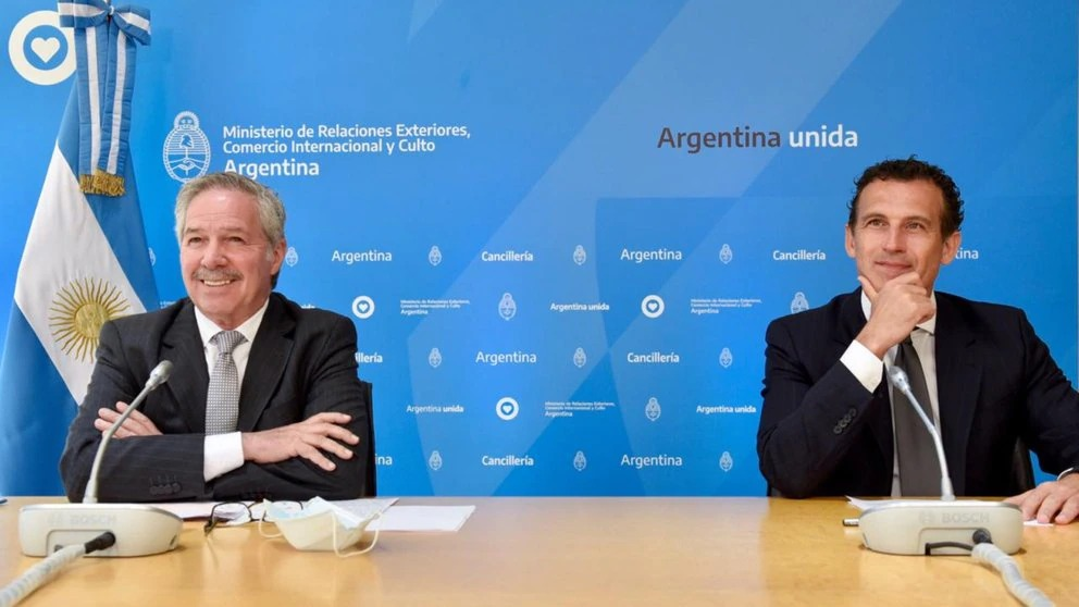 Felipe Sola And Guillermo Justo Chaves